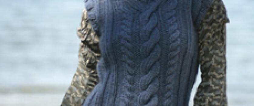 Безрукавка с центральным мотивом из кос