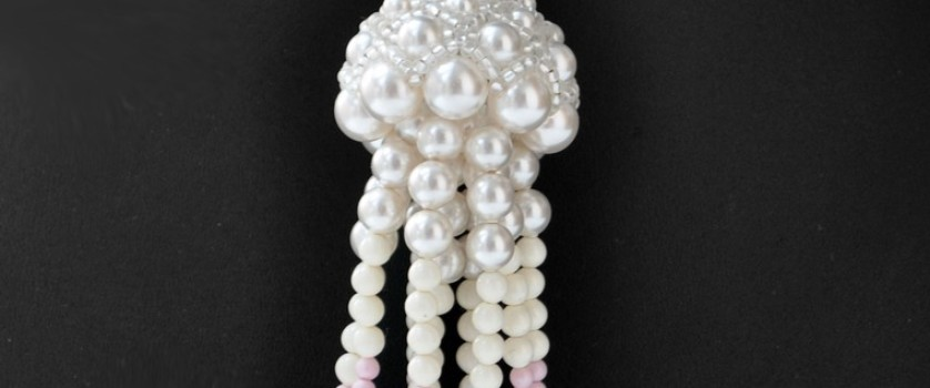 Создаем кулон «Медуза» из жемчуга и бусин Swarovski