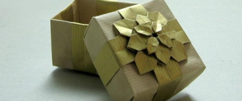 Подарочная коробочка с гортензией