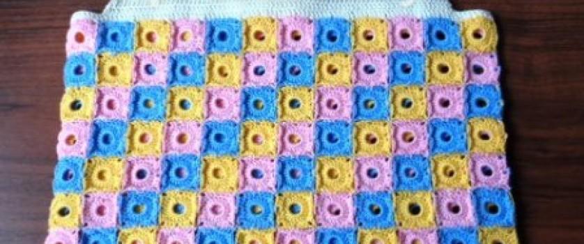 Топик для девочки из квадратов-пикселей